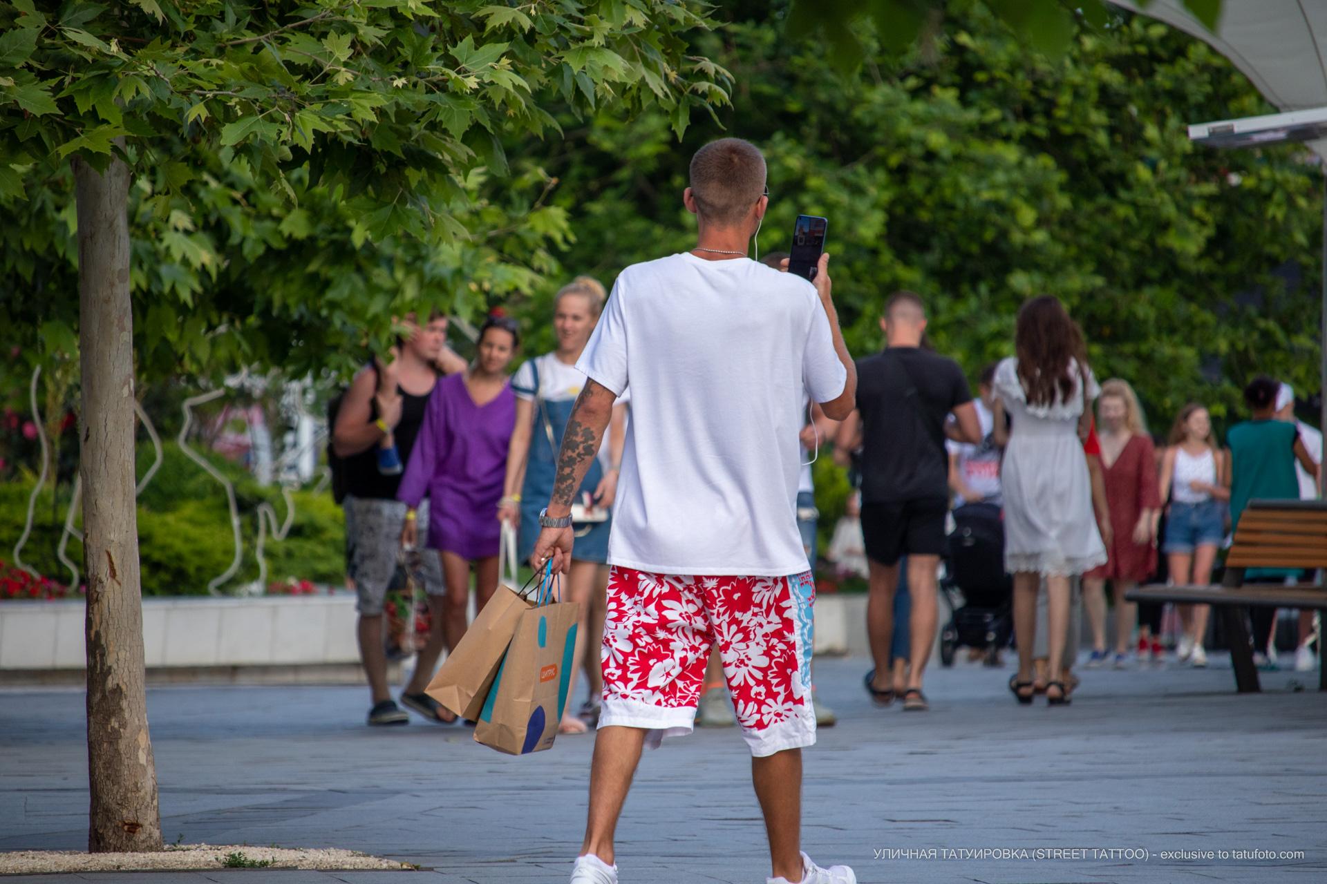 Фото тату с тучками на руке парня - Уличная татуировка (street tattoo) № 06 – 18.06.2020 – tatufoto.com 5