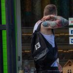 Цветная тату рукавом с девушкой в противогазе на руке парня - Уличная татуировка (street tattoo) № 06 – 18.06.2020 – tatufoto.com 2