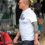 Цветная тату с восточным рукавом на руке мужчины – Уличная татуировка (Street tattoo) № 05 – 15.06.2020 для tatufoto.com 2