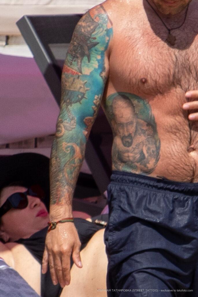 Цветные тату рукав и портреты на теле мужчины – Уличная татуировка (Street tattoo) № 04 – 12.06.2020 для tatufoto.com 9