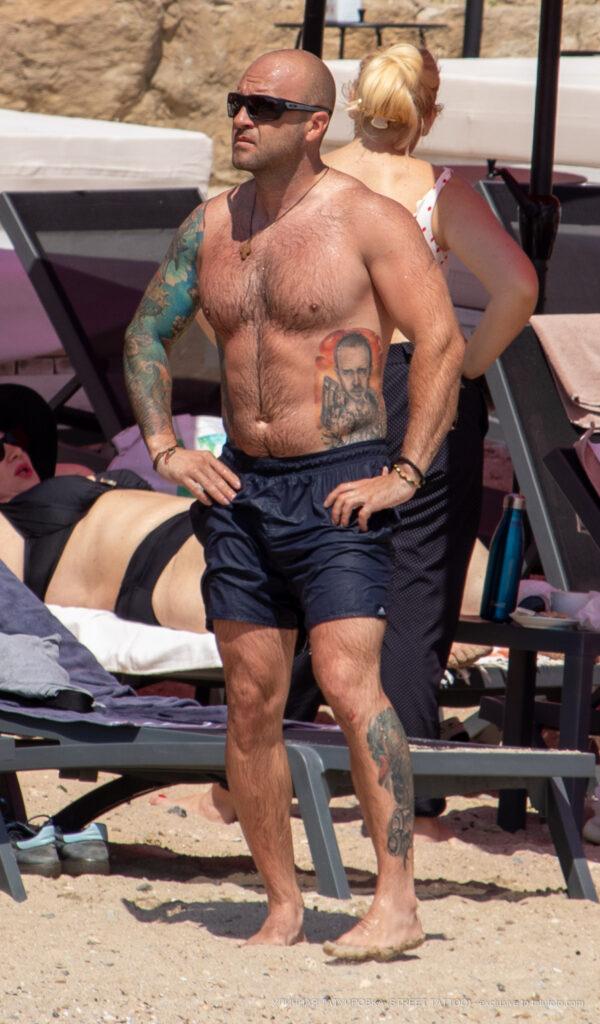 Цветные тату рукав и портреты на теле мужчины – Уличная татуировка (Street tattoo) № 04 – 12.06.2020 для tatufoto.com
