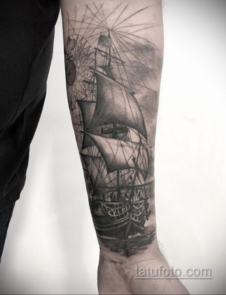 Фото татуировки с кораблем 07.07.2020 №017 -ship tattoo- tatufoto.com