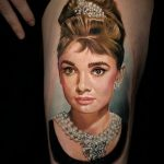 Фото тату с Одри Хепберн 10.08.2020 №032 -Audrey Hepburn tattoo- tatufoto.com