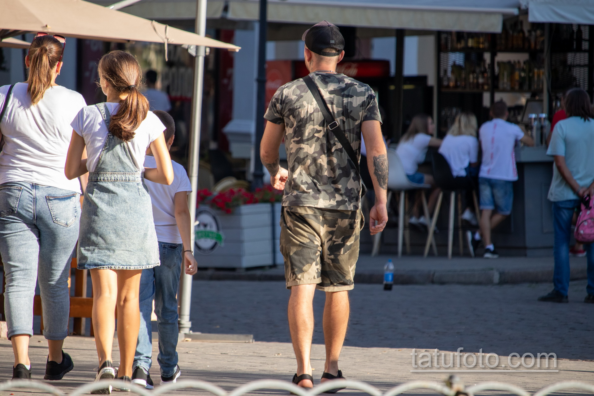Биомеханическая татуировка на левой руке мужчины – Уличная татуировка 14.09.2020 – tatufoto.com 4