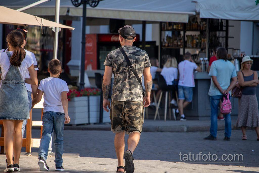 Биомеханическая татуировка на левой руке мужчины – Уличная татуировка 14.09.2020 – tatufoto.com 7