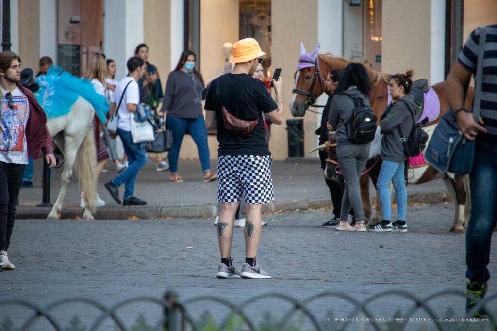 Две татуировки внизу ноги парня – Уличная татуировка (street tattoo)-29.09.2020-tatufoto.com 6