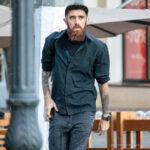 Колоритный мужчина с рыжей бородой и татуировками на руках – Уличная татуировка (street tattoo)-29.09.2020-tatufoto.com 2