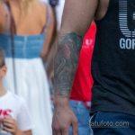 Культурист с цветной татуировкой на правой руке – Уличная татуировка 14.09.2020 – tatufoto.com 2