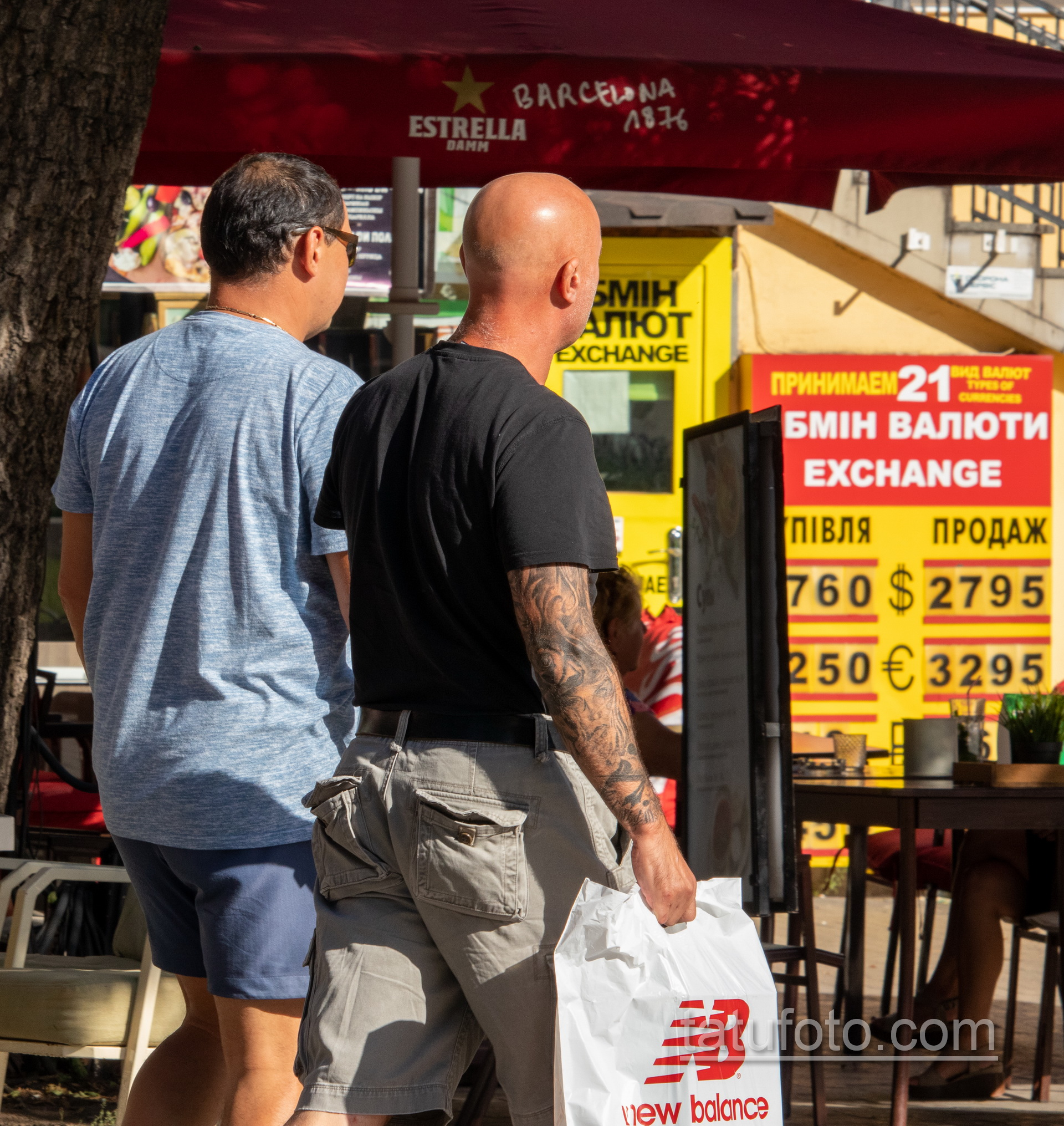 Рукав тату с часами и лицом девушки на правой руке взрослого мужчины - Уличная татуировка 14.09.2020 – tatufoto.com 15