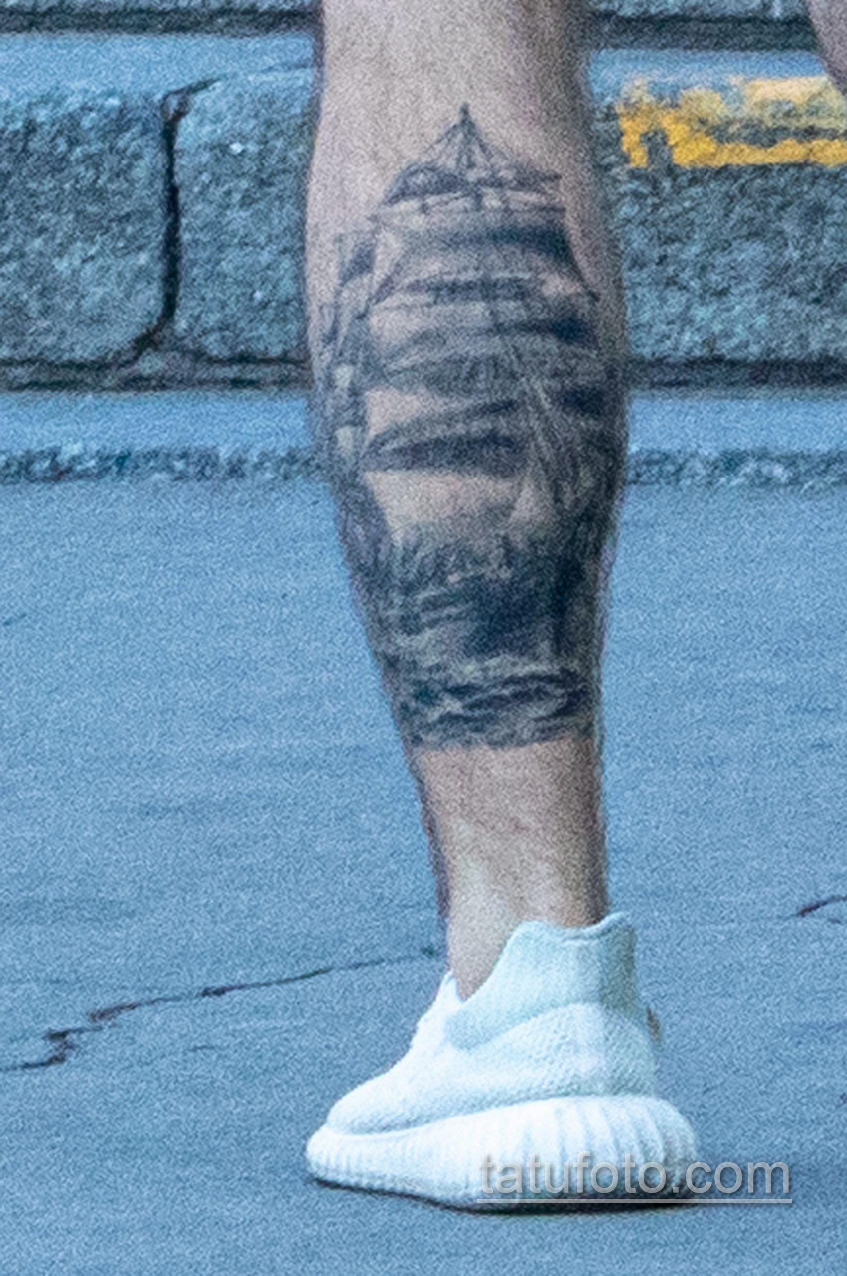 Татуировка парусник на левой икре парня - Уличная татуировка – tatufoto.com 2