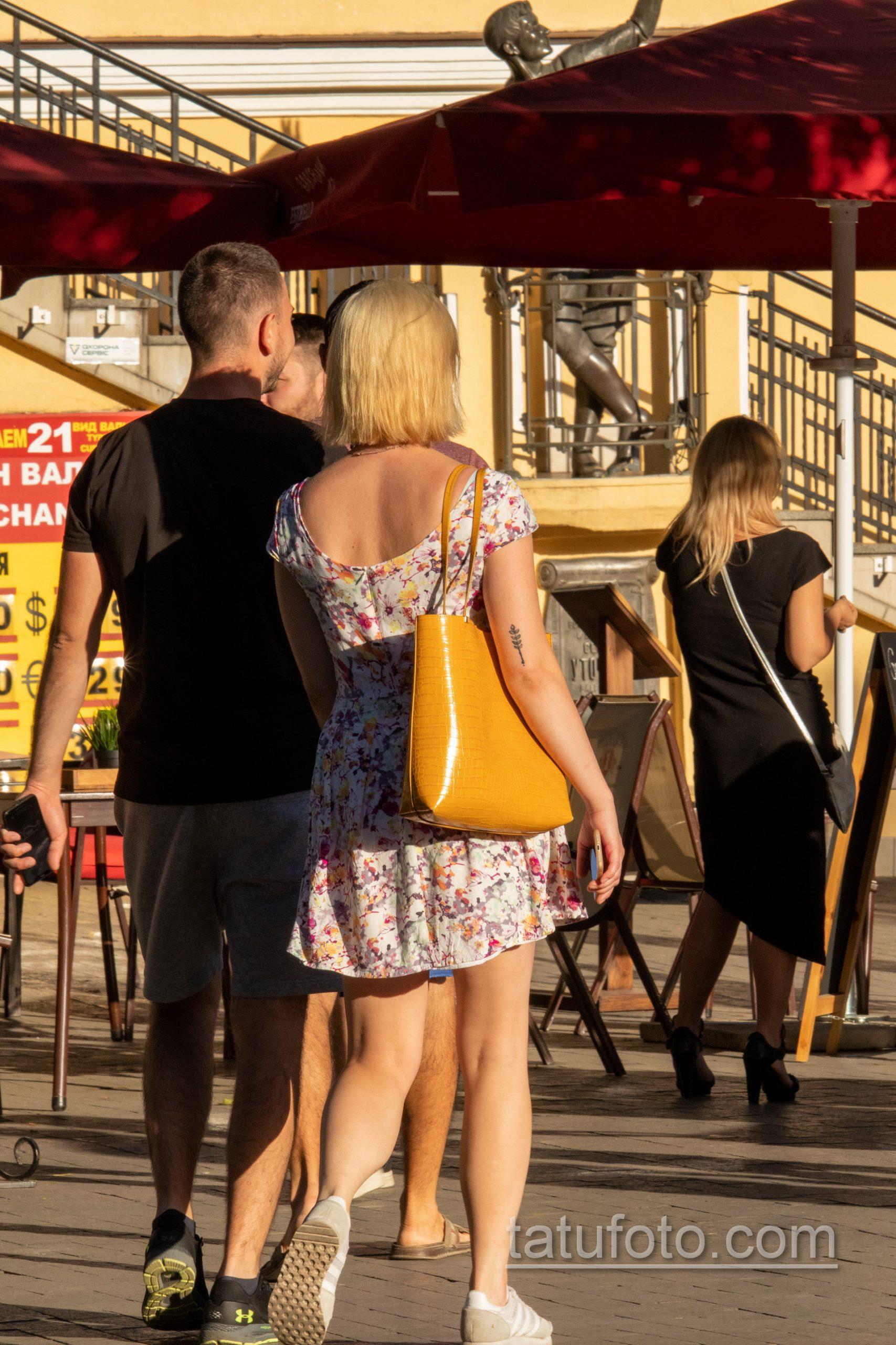 Татуировка с колоском на руке у девушки – Уличная татуировка 14.09.2020 – tatufoto.com 6