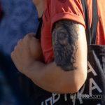 Татуировка с лицом статуи мыслителя на руке парня - Уличная татуировка 14.09.2020 – tatufoto.com 2