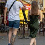 Тату ветер тучи и цветы внизу ноги парня --Уличная тату-street tattoo-21.09.2020-tatufoto.com 3