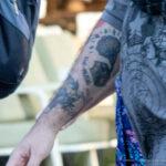 Тату граммофон и тигр на руке парня – Уличная татуировка (street tattoo)-29.09.2020-tatufoto.com 5