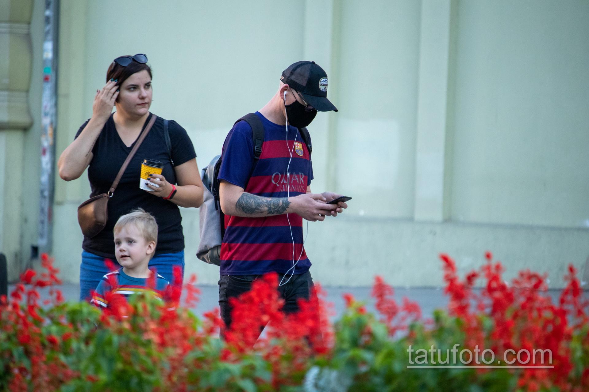 Тату девушка Санта Муэрто и роза на руке парня – Уличная татуировка 14.09.2020 – tatufoto.com 3