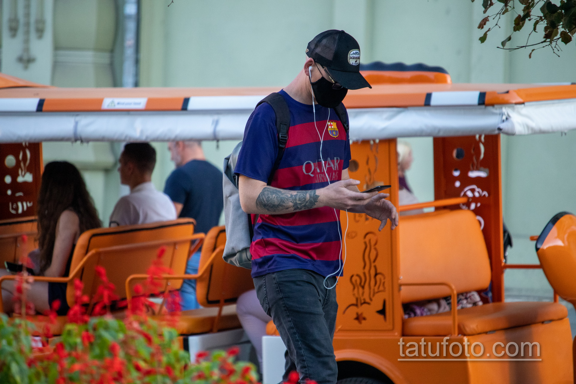 Тату девушка Санта Муэрто и роза на руке парня – Уличная татуировка 14.09.2020 – tatufoto.com 7