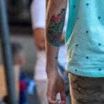 Тату зеленая змея на левой руке парня – Уличная татуировка (street tattoo)-29.09.2020-tatufoto.com 5