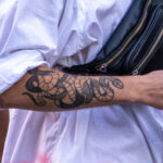 Тату змея на правой руке парня – Уличная татуировка (street tattoo)-29.09.2020-tatufoto.com 5