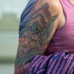 Тату лев в короне с крыльями на правой руке взрослой женщины – 17.09.2020 – tatufoto.com 6