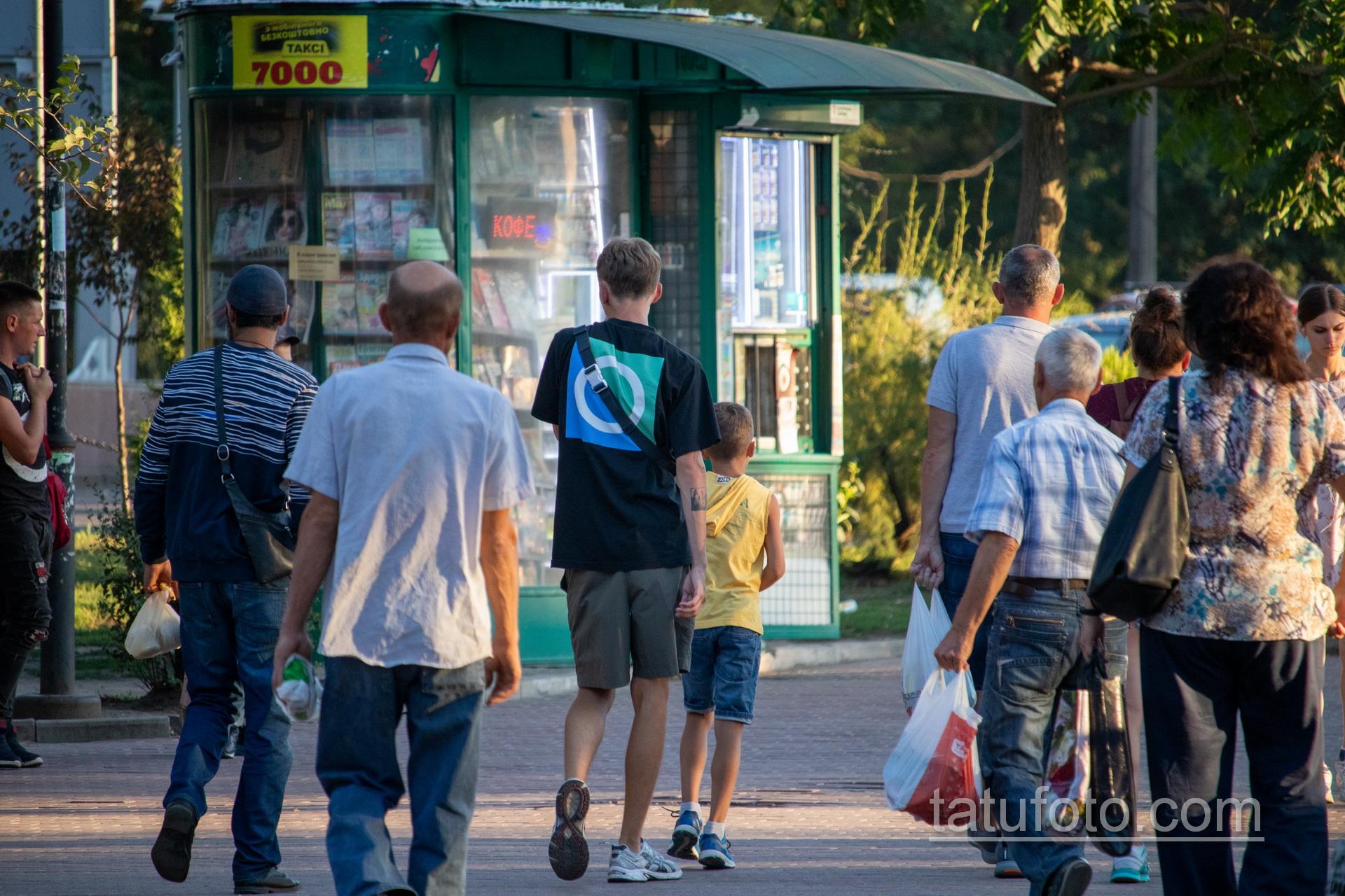 Тату лес в квадрате на руке парня - Уличная татуировка 14.09.2020 – tatufoto.com 2