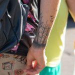 Тату лес и птицы браслетом внизу руки парня – 17.09.2020 – tatufoto.com 2