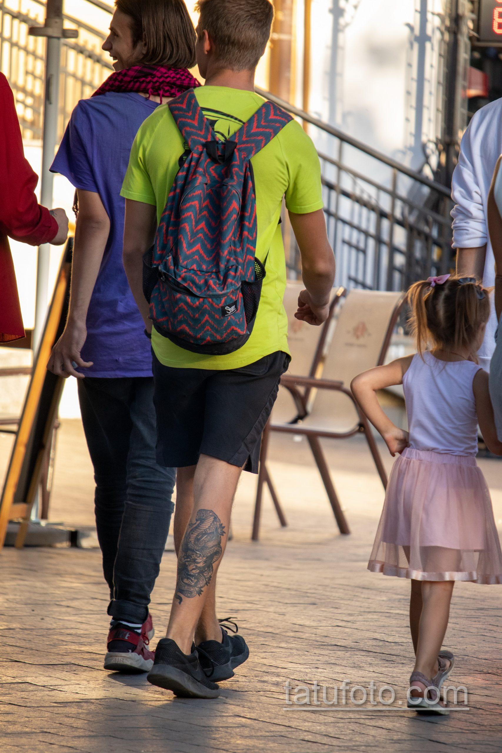 Тату маска японского демона и кобра внизу ноги парня – Уличная татуировка 14.09.2020 – tatufoto.com 5