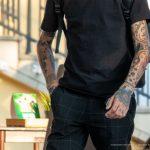 Тату мотылек на шее и терновник на руке парня --Уличная тату-street tattoo-21.09.2020-tatufoto.com 13