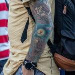 Тату на тему океана с рыбой удильщик на руке парня – Уличная татуировка (street tattoo)-29.09.2020-tatufoto.com 2