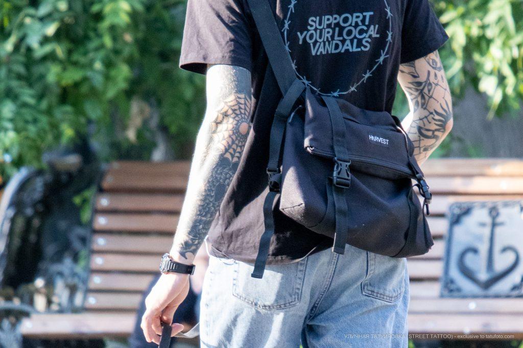 Тату паутина на локте парня --Уличная тату-street tattoo-21.09.2020-tatufoto.com 1