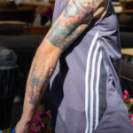 Тату портрет Терминатора и рисунки на тему космоса на руке парня – Уличная татуировка (street tattoo)-29.09.2020-tatufoto.com 2