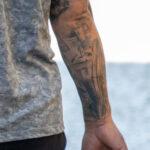 Тату рукав на правой руке мужчины – Уличная татуировка (street tattoo)-29.09.2020-tatufoto.com 2