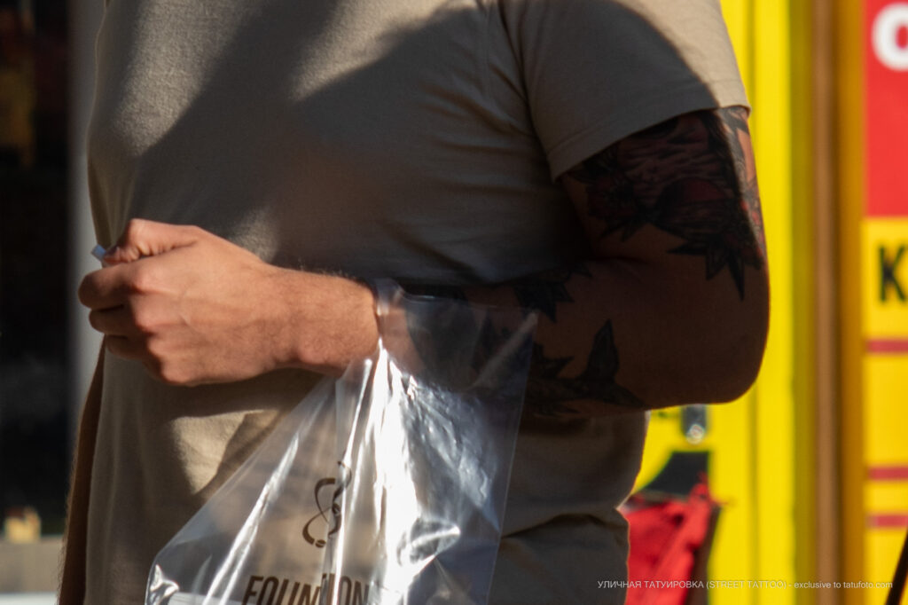 Тату рыба море и закат на руке парня – Уличная татуировка (street tattoo)-29.09.2020-tatufoto.com 3