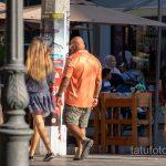 Тату с алмазом во рту у девушки на правой руке мужчины – Уличная татуировка 14.09.2020 – tatufoto.com 4