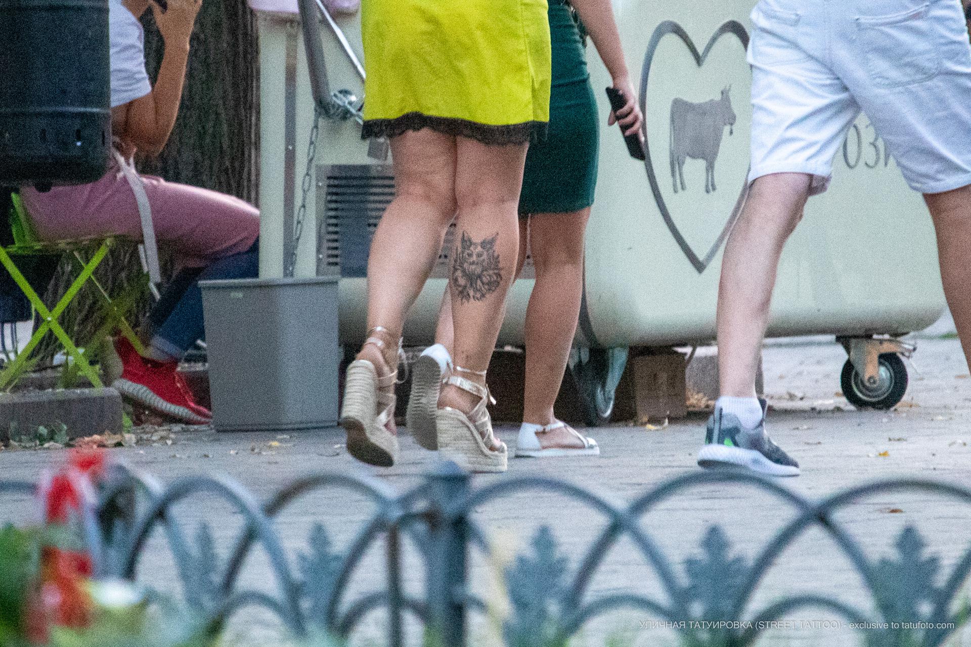 Тату с лисой и цветами внизу ноги женщины – 17.09.2020 – tatufoto.com 3