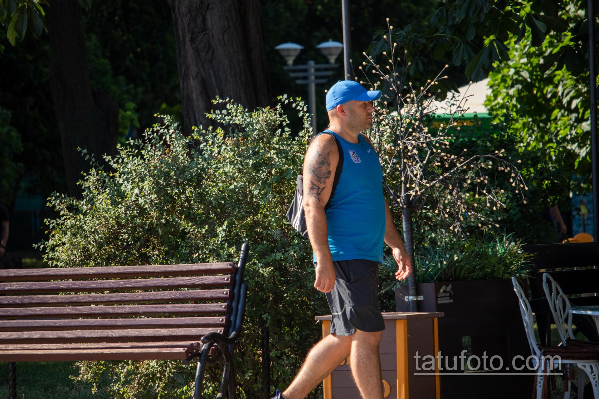 Тату с мордой Пита на правом плече мужчины – Уличная татуировка 14.09.2020 – tatufoto.com 5