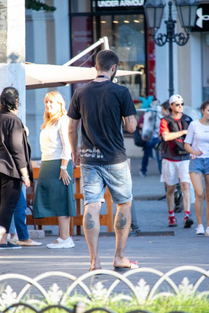 Тату с персонажами из фильмов ужаса на ногах парня – Уличная татуировка (street tattoo)-29.09.2020-tatufoto.com 7