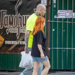 Тату с песочными часами на шее и страшная морда на руке мужчины --Уличная тату-street tattoo-21.09.2020-tatufoto.com 15