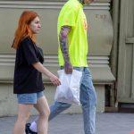 Тату с песочными часами на шее и страшная морда на руке мужчины --Уличная тату-street tattoo-21.09.2020-tatufoto.com 2