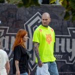 Тату с песочными часами на шее и страшная морда на руке мужчины --Уличная тату-street tattoo-21.09.2020-tatufoto.com 6