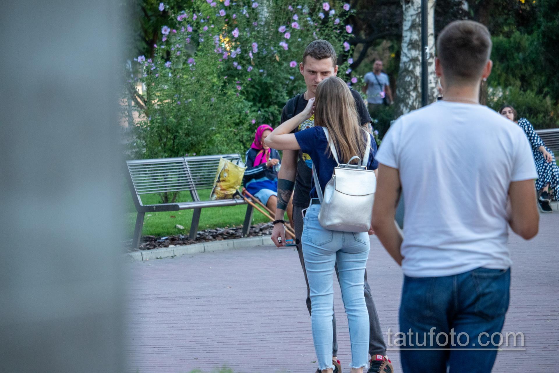 Тату с планетой и маори узоры на руках парня - Уличная татуировка 14.09.2020 – tatufoto.com 4