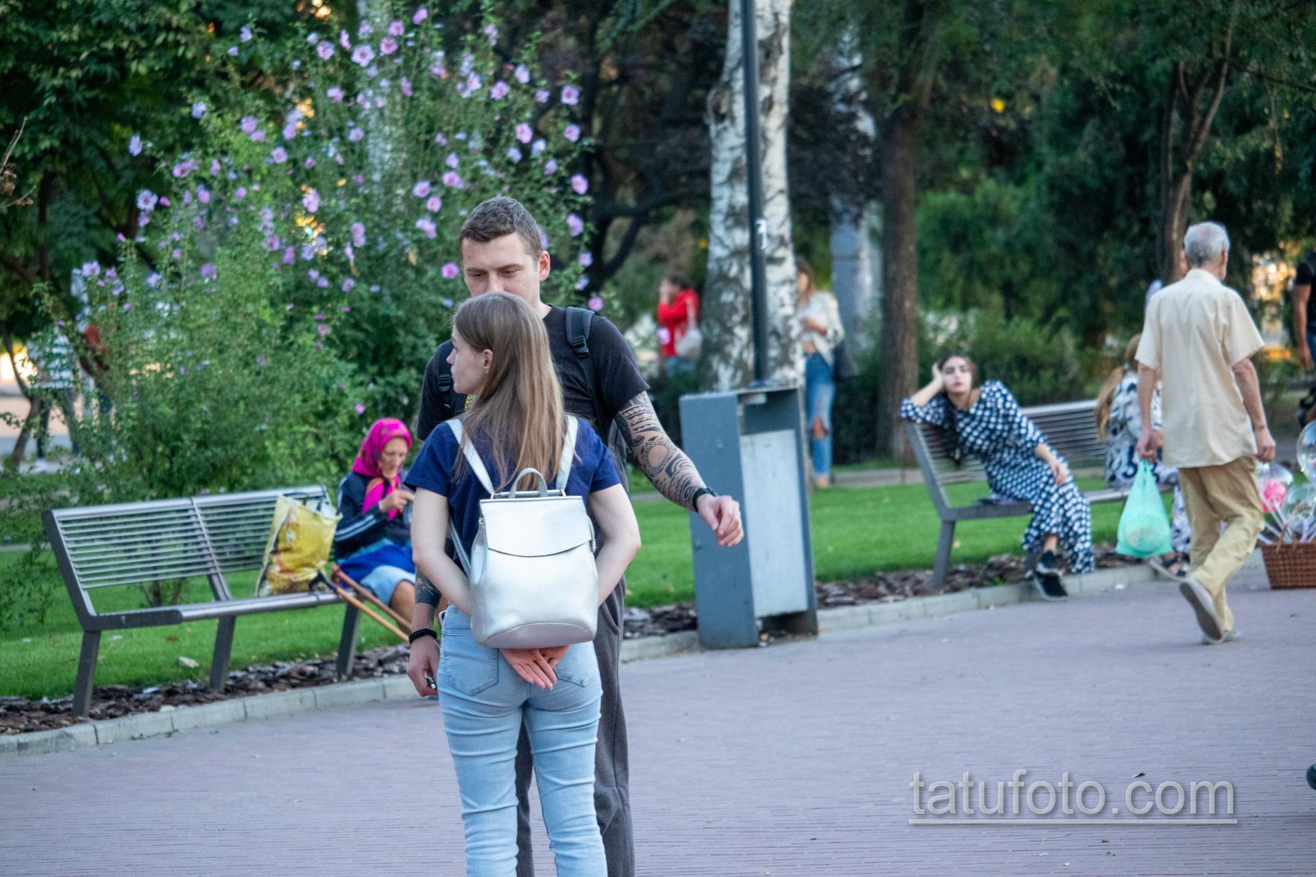 Тату с планетой и маори узоры на руках парня - Уличная татуировка 14.09.2020 – tatufoto.com 5