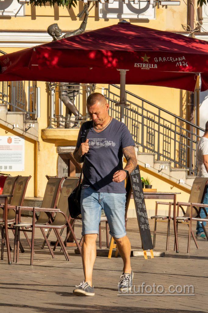 Тату с рунами и узлами в тату рукаве у мужчины – Уличная татуировка 14.09.2020 – tatufoto.com 2