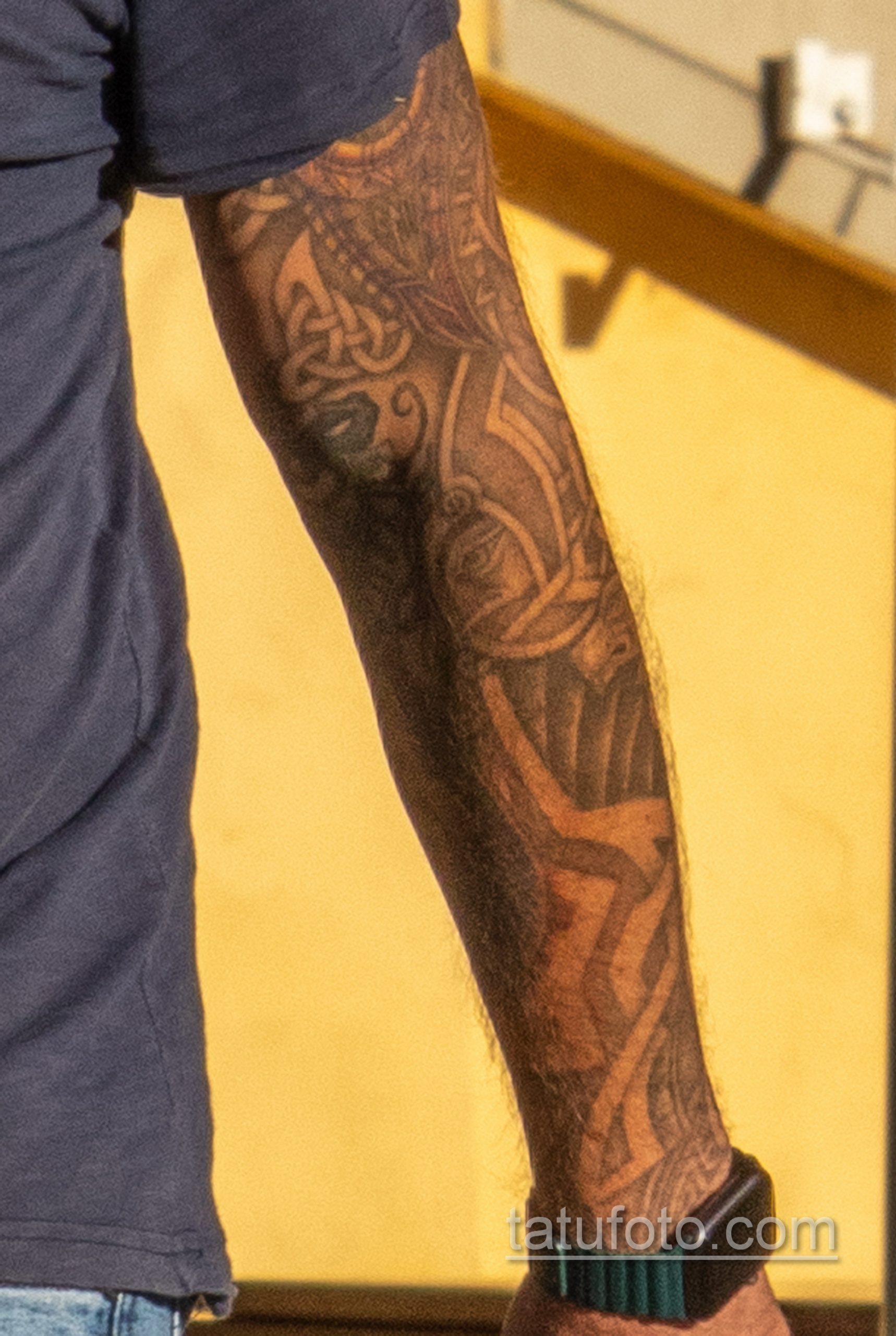 Тату с рунами и узлами в тату рукаве у мужчины – Уличная татуировка 14.09.2020 – tatufoto.com 3