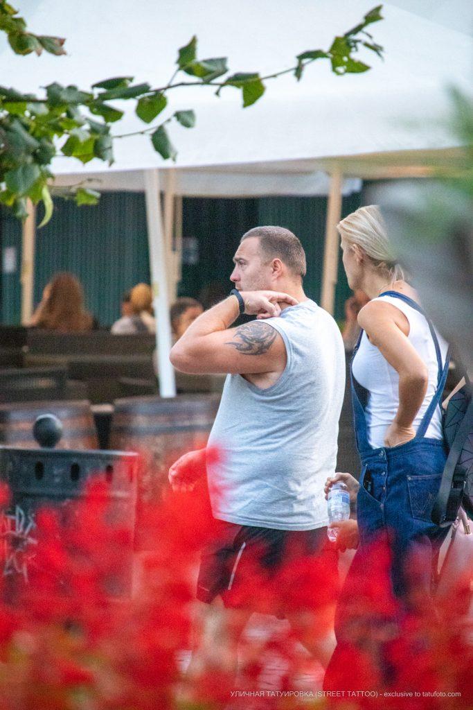 Тату с трайбл узорами на левом плече мужчины – 17.09.2020 – tatufoto.com 1