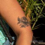 Тату с цветком на изгибе руки девушки – Уличная татуировка 14.09.2020 – tatufoto.com 2