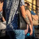 Тату узоры и браслет на правой руке мужчины – Уличная татуировка (street tattoo)-29.09.2020-tatufoto.com 5