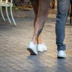Тату череп и рога внизу ноги девушки – Уличная татуировка (street tattoo)-29.09.2020-tatufoto.com 3