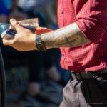 Тату черный крест и узоры геометрией на левой руке парня – Уличная татуировка (street tattoo)-29.09.2020-tatufoto.com 4