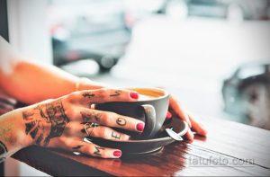 Фото пример татуировки на пальце 05.09.2020 №100 -fingertip tattoo- tatufoto.com