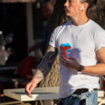 Цветной рукав тату с китами на руке азиата – Уличная татуировка (street tattoo)-29.09.2020-tatufoto.com 112